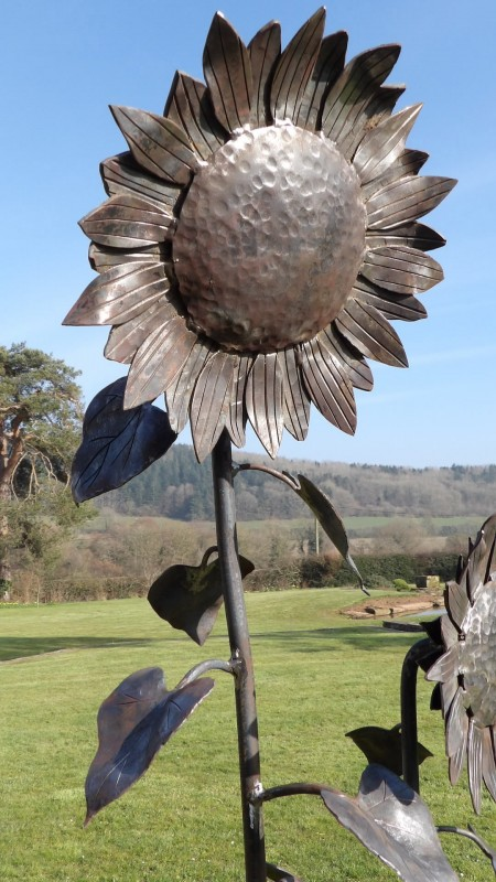 Sunflower Modern Metal Garden Sculpture Holloways