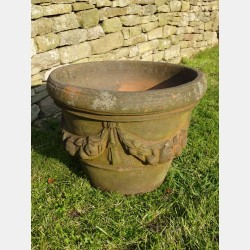 Compton Pottery Apple Pot